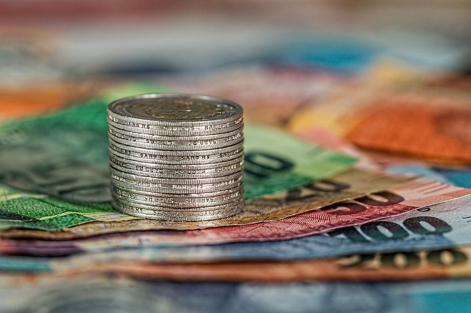 4 banker som dömts för penningtvätt